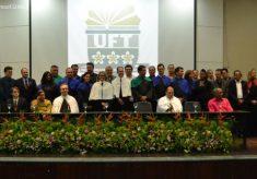 Novo reitor da UFT e vice tomam posse e destacam união; Isabel Auler é homenageada