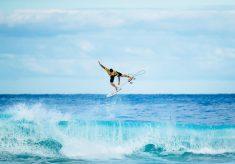 Gabriel Medina é bicampeão mundial de surfe no Havaí