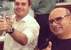 Flávio Bolsonaro pede, e STF suspende investigação sobre Queiroz