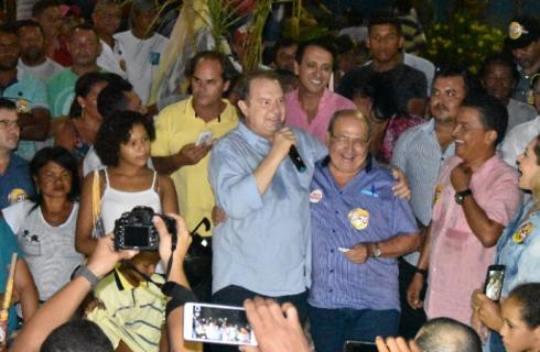 """No Bico, Carlesse mobiliza eleitores e critica adversários: """"estão vendendo ilusões"""""""