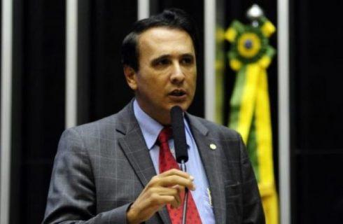 Presidente Bolsonaro define Carlos Gaguim como vice-líder do governo na Câmara