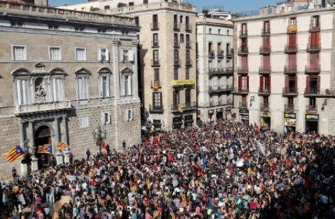 Líder da Catalunha descarta antecipar eleições e insiste em solução dialogada 3