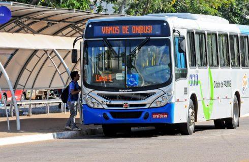 Linhas de ônibus com destino às praias da Capital são reforçadas nesta temporada
