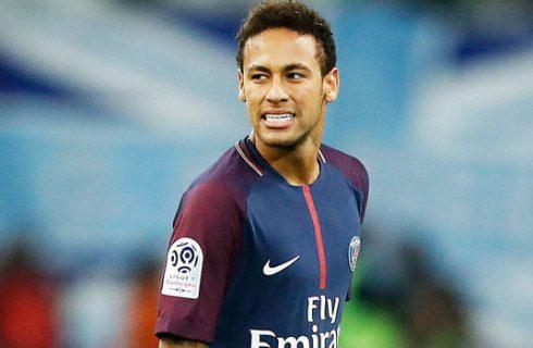 A pedido de Neymar, Santos recebe R$ 34 milhões do PSG por transferência