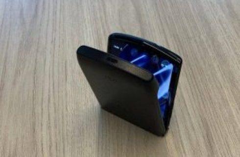 Tecnologia| Celular com tela dobrável Motorola Razr chega ao Brasil por R$ 9 mil