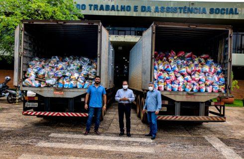 Entrega de cestas básicas feitas pelo Governo, já beneficiaram idosos de mais de 80 municípios