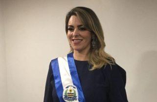 Cinthia anuncia a saída de pelo menos cinco secretários e diz que se mantém no PSDB