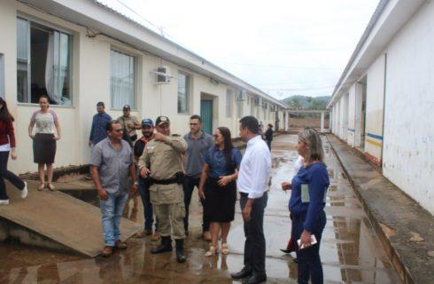 Comando do 4º BPM e autoridades municipais visitam escolas de Palmeirópolis com vista à implantação do Colégio Militar