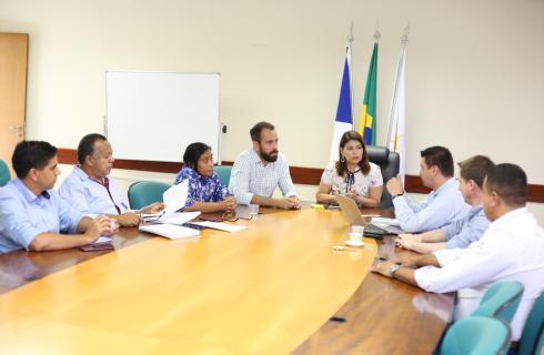 Governo destinará 345 novos ônibus escolares para todos os municípios do Estado