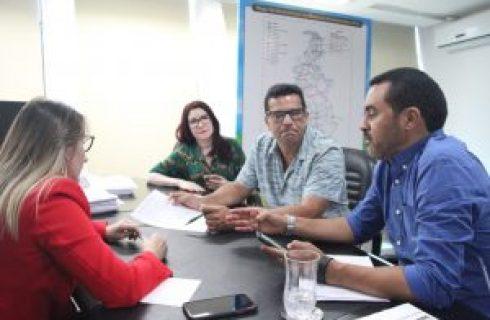 Melhorias de estradas vicinais de Palmas é tema de reunião entre Governo e produtores