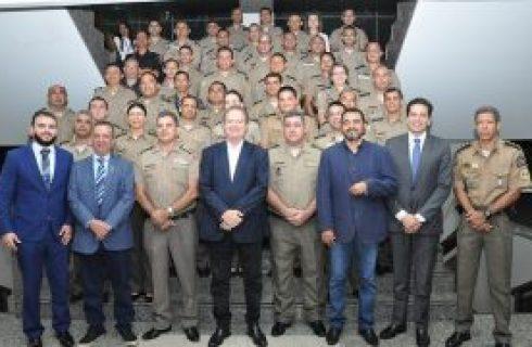 Em reunião com comandantes, governador Mauro Carlesse destaca qualidades da PM tocantinense