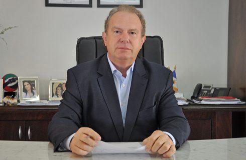 Governador Carlesse prorroga jornada de 6 horas, trabalho remoto e suspensão das aulas até 31 de julho