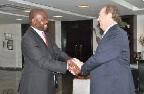 Política | Governador Mauro Carlesse e embaixador da África do Sul discutem intercâmbio comercial e cooperação tecnológica