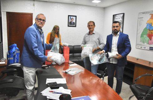 Governo recebe doação de equipamentos de proteção do grupo Afya para o enfrentamento da Covid-19