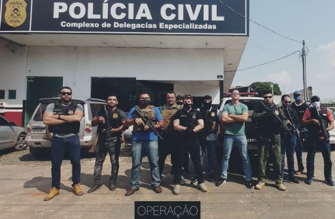 Operação da Polícia Civil em Araguaína resulta em prisões, resgate de um cachorro e na apreensão de objetos e dinheiro