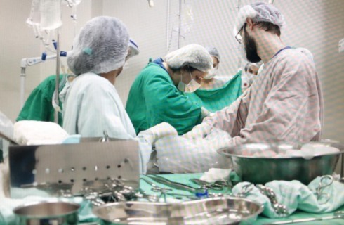 Pai e mãe autorizam doação de órgãos da filha de nove anos, vítima de afogamento