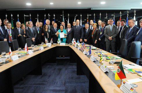 No Fórum Nacional de Governadores, Mauro Carlesse defende repasse dos recursos da Lei Kandir e do Pré-Sal para o Tocantins
