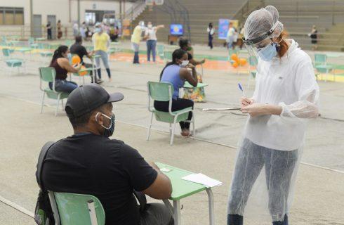 Covid-19: Palmas imuniza nesta terça-feira, 1º, trabalhadores do setor aéreo