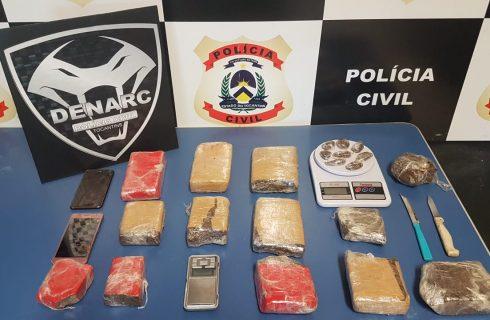 """Polícia Civil deflagra operação """"Bazófia"""", apreende vários quilos de drogas e prende dois traficantes em Palmas"""