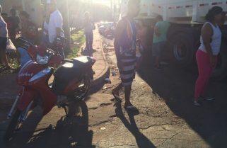 Motociclista fica ferida após ser atropelada por caminhão em Araguaína
