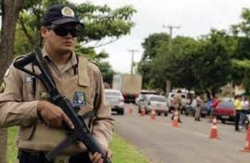 Suspeito de assaltar açougue com faca é morto por policiais militares