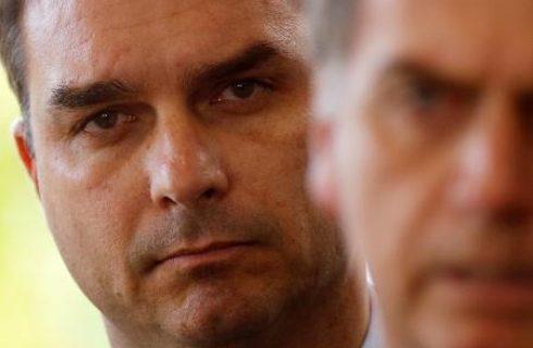 Ex-assessor de Bolsonaro alega crise de saúde e não vai depor ao MP do Rio