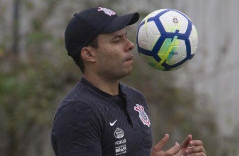 Jair justifica mudanças no Corinthians e diz confiar na palavra de Andrés Comente