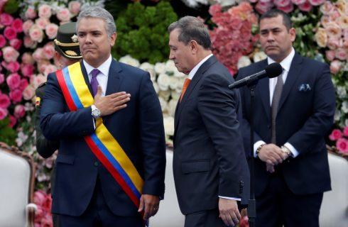 Iván Duque toma posse e discursa como presidente da Colômbia: 'Chega à presidência uma nova geração'