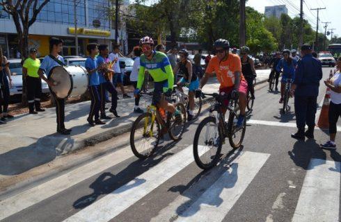 Dia Mundial sem Carro marcado por passeio ciclístico e entrega de 20 bicicletários