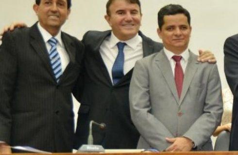 Deputados tendo que explicar liderança que MDB deu a Eduardo: bloco garantiu espaço