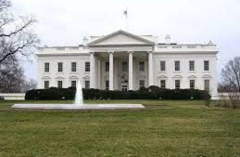 Ex-vice democrata Joe Biden anuncia pré-candidatura à Casa Branca
