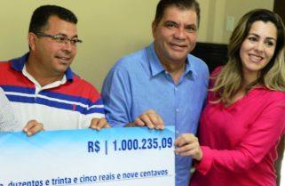 Após Cinthia exonerar 56, Folha anuncia rompimento com Amastha: 'não me defendeu'