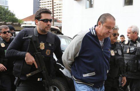 Justiça determina prisão, e João Cláudio Genu se entrega à polícia; ex-tesoureiro do PP está na Papuda