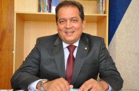 BOM DIA – Grupo de Carlesse estuda lançar três candidatos ao Senado para ter Gomes