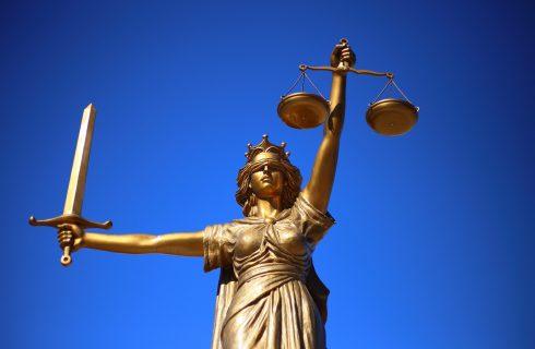 Lei garante assistência jurídica a vítima de violência doméstica que quer se divorciar