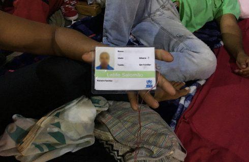 Falta de vagas em abrigos faz casais venezuelanos viverem separados em RR