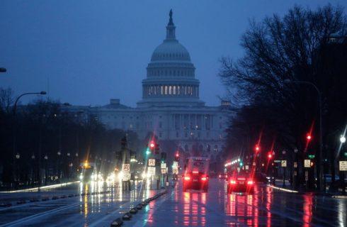 Senadores dos EUA propõem lei contra algoritmos preconceituosos nas empresas de tecnologia