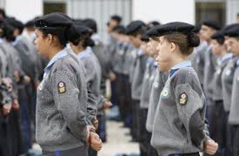 Escolas militares e colégios civis com mesmo perfil têm desempenho similar