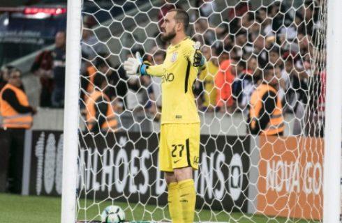 Lesão exige cirurgia e tira Walter do Corinthians nesta temporada