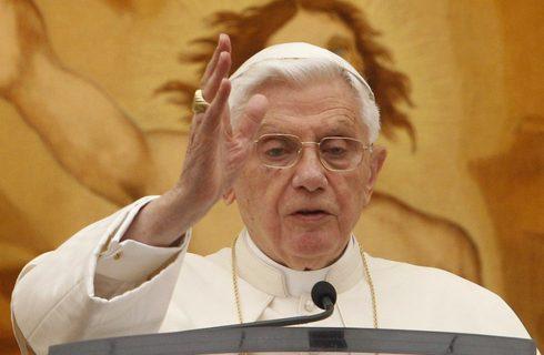 Revolução sexual dos anos 1960 levou à crise de abusos na Igreja, diz Bento 16