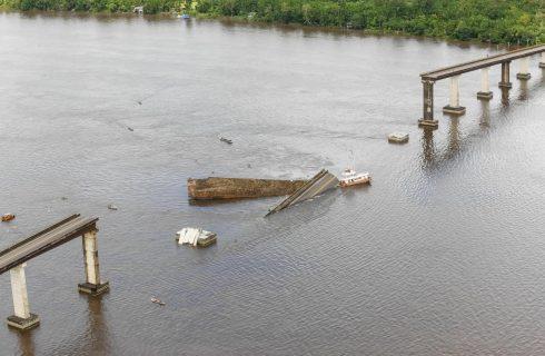 Buscas a possíveis desaparecidos em queda de ponte na Alça Viária são retomadas nesta segunda