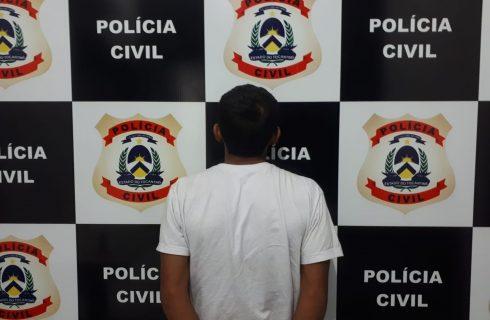 Jovem é preso suspeito de adulterar placa de moto para cometer crimes em Palmas