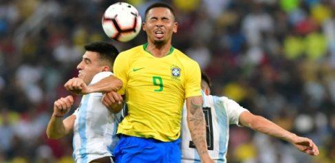 Seleção vê defesa firme, ataque em xeque e renovação lenta após Copa Comente